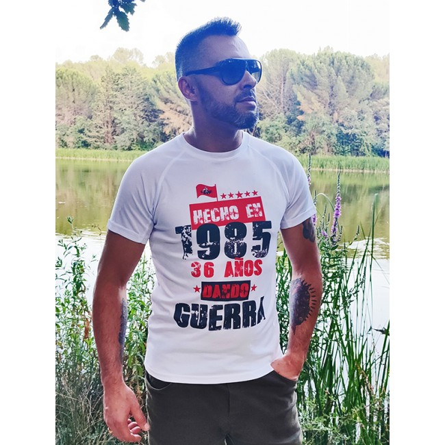 Camiseta dando guerra