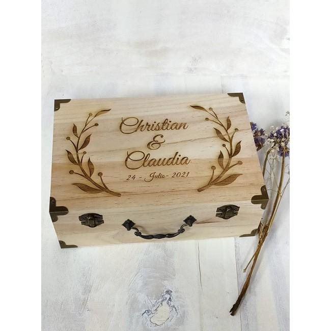 Caja de madera con grabado personalizado