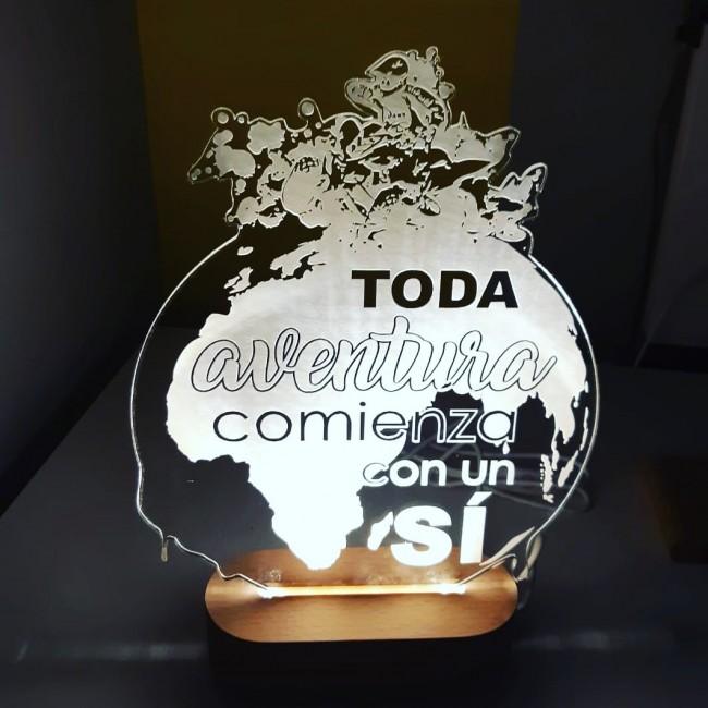 Lámpara de metacrilato personalizada